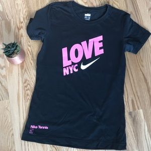 NWOT NIKE Tennis Shirt